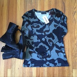 Tops - Camouflage stretch shirt. NWT. Fancyqube brand.